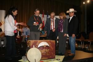 Le texte et le symbole de chaque Expression de la réconciliation sont entrées dans la boîte. Une exhibition permanente de tous les Expressions sera crée par le Centre de la recherché national sur les pensionnats indiens à Winnipeg.