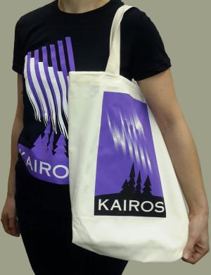 Anne-H-with-KAIROS-T-shirt-bag