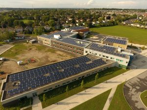 Ottawa Renewable Energy Co-operative 190 kW generating capacity project on Maurice Lapointe High School. Photo by iSolara